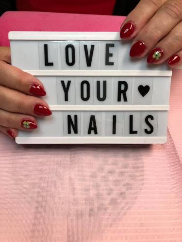 Red, Lucky Nails